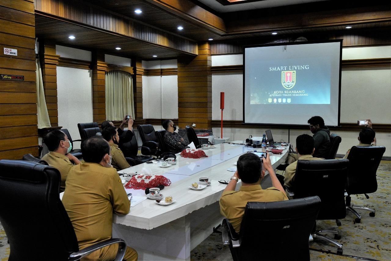 Pemkot semarang : Trans Semarang meraih kategori Smart Living