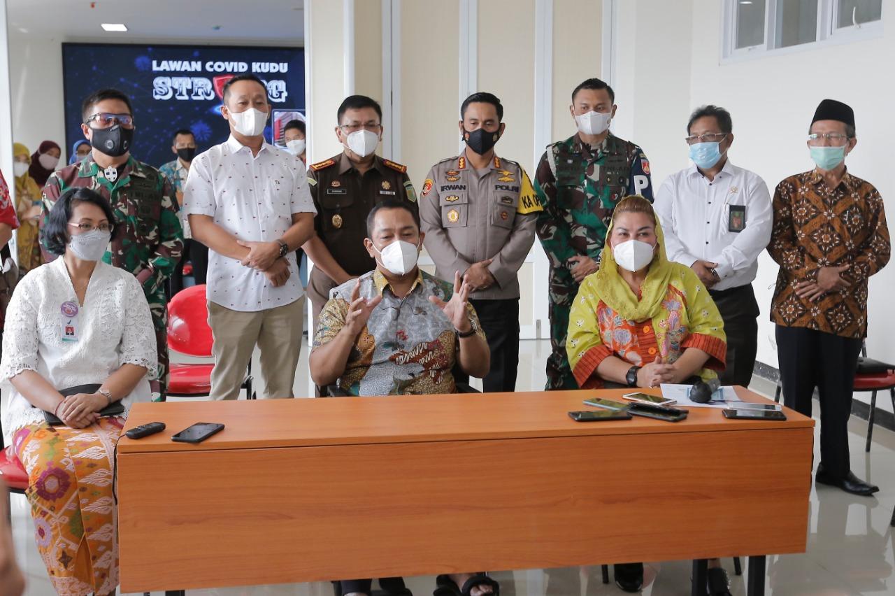 Hendi Yakinkan Warga Semarang Vaksin Covid-19 Aman Dan Halal