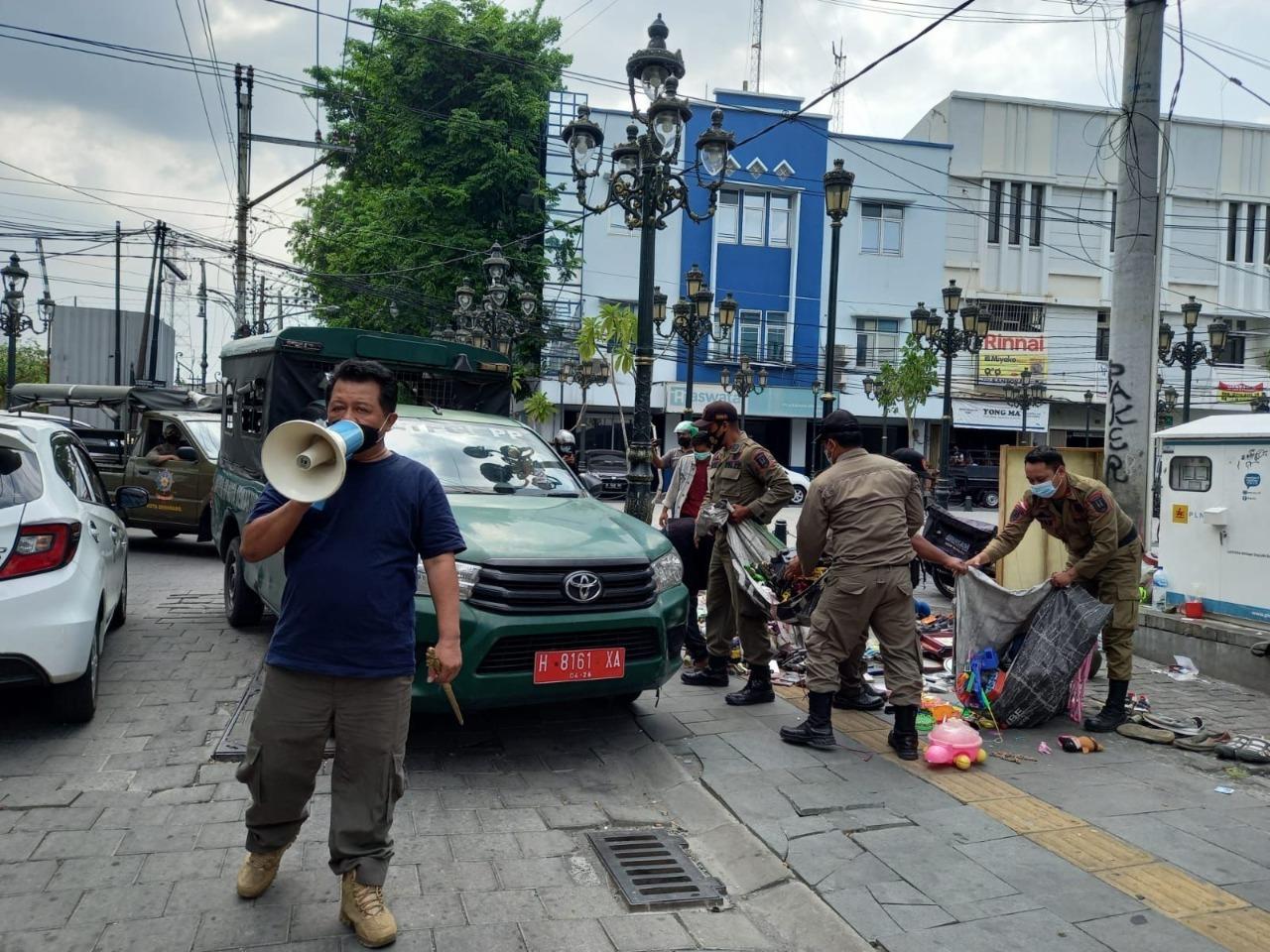 40 PKL Jalan Sendowo Kota Lama Terjaring Razia Satpol PP Kota Semarang