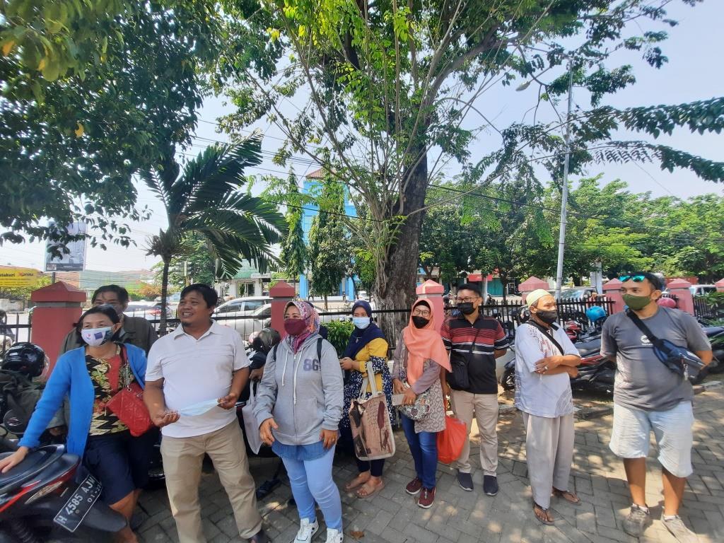 Merasa Terbuang, Pedagang Konveksi Ingim Di Kembalikan Lagi Ke Pasar Johar Utara